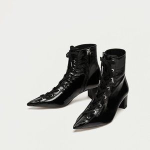NWT Zara Size 8 Patent Leather Lace Up Boots